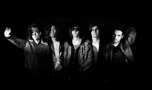 the-strokes-angles-promo-band-picture